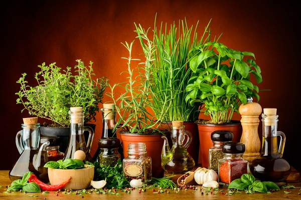 herbs-spices-and-olive-oil-39754316